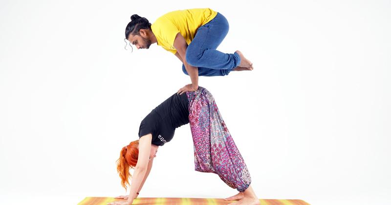 Занятие по йоге лица