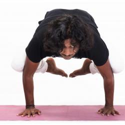 Aziz Kirkere, бакасана, йога в Москве