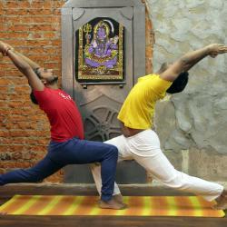Йога, йога на Ленинском, yogasutra, yogasutraom, йога в москве, йога с мастерами из индии, тренер по йоге